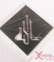 kaligrafi-old-kufi-tulisan-tenggelam-allah-putih-hitam